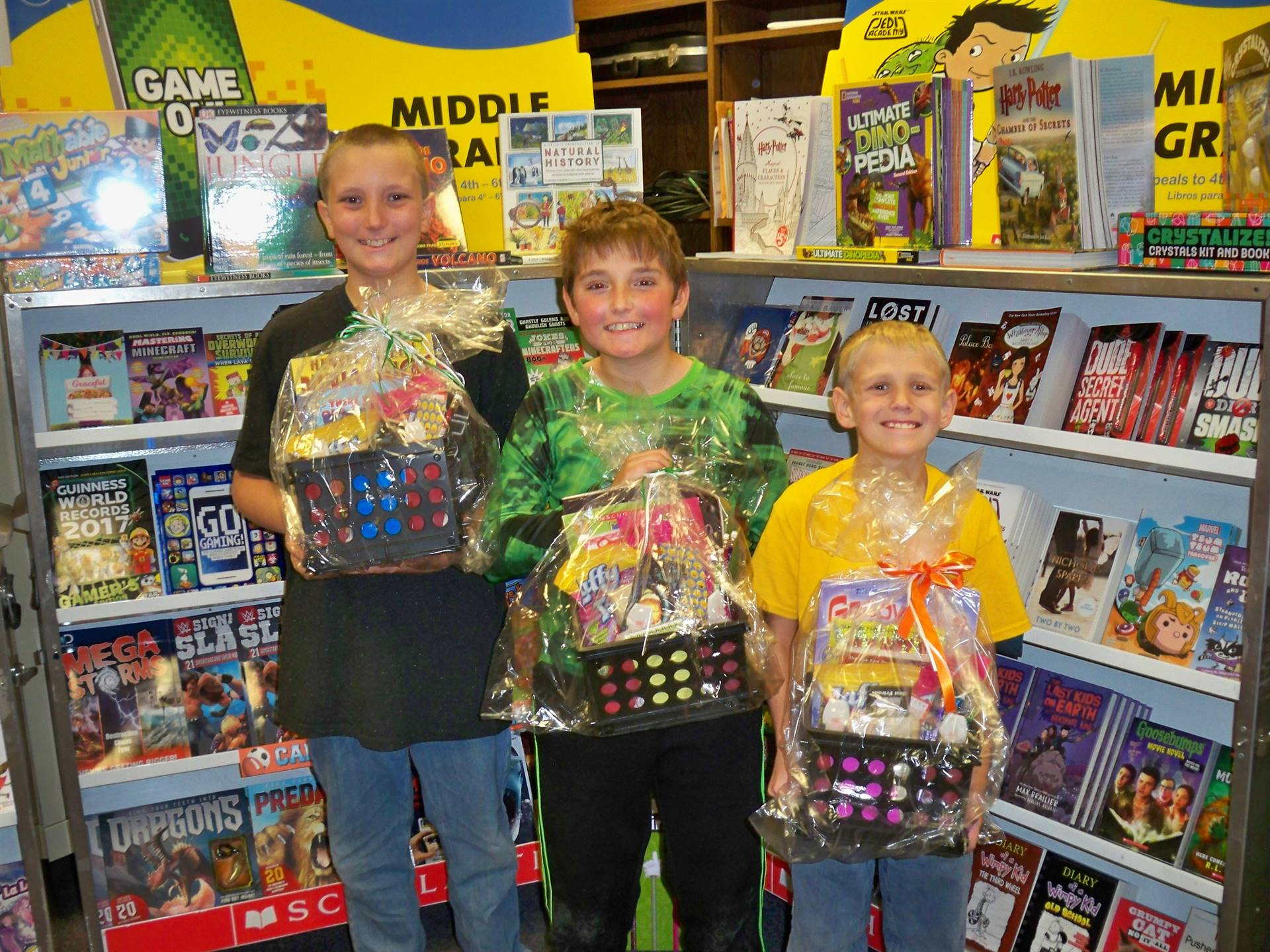 2017 Book Fair Winners with Their Prizes