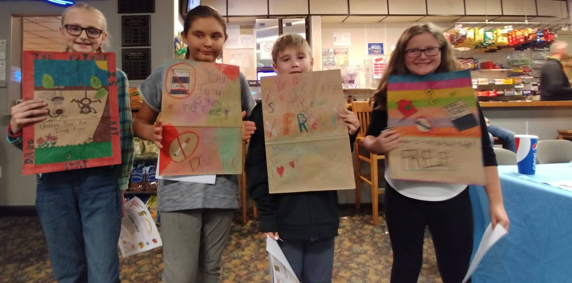 4th Grade Red Ribbon Week Grocery Bag Finalists